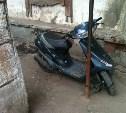 Житель Киреевского района выкрал вещи из двух автомобилей и угнал скутер
