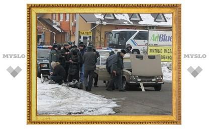 В Тульской области вооруженные преступники напали на перевозчика денег