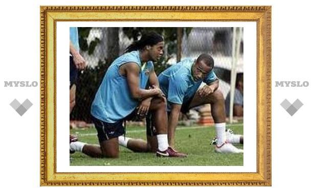 """Роналдиньо пожаловался на тяжелые тренировки в """"Барселоне"""""""