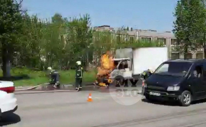В Туле на Одоевском шоссе загорелась «Газель»: видео