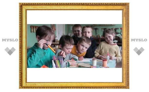 Дети-сироты в Узловой не имеют жилья
