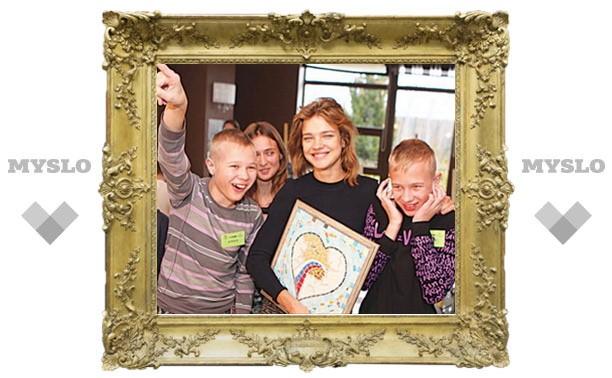 Модель Наталья Водянова приехала в Тулу к детям