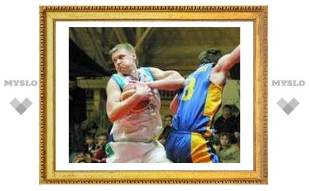 """Тульские баскетболисты готовятся к """"выезду"""""""