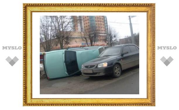 "В центре Тулы перевернулась ""восьмерка"""