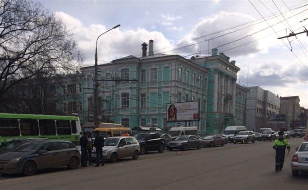 На проспекте Ленина в Туле огромная пробка
