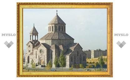 В Ереване мужчина поджег двери церкви Сурб Саркис