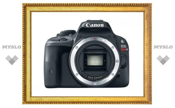 Canon показала «самую маленькую в мире зеркалку»