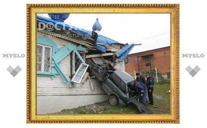 В Челябинской области военные на машине проломили стену храма