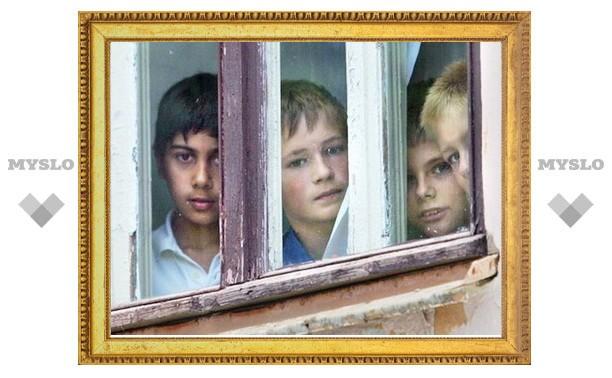 Владимир Груздев взял под личный контроль приобретение жилья для сирот