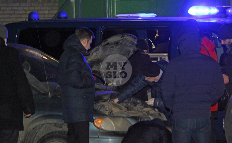 Три трупа в автомобиле на улице Болдина: причиной трагедии могли стать выхлопные газы