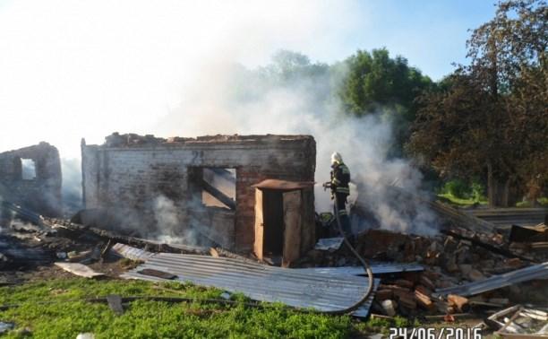В сгоревшем доме в Плавском районе погибли три женщины