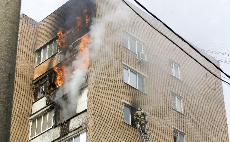 Пожар на проспекте Ленина: огонь перекинулся еще на три балкона