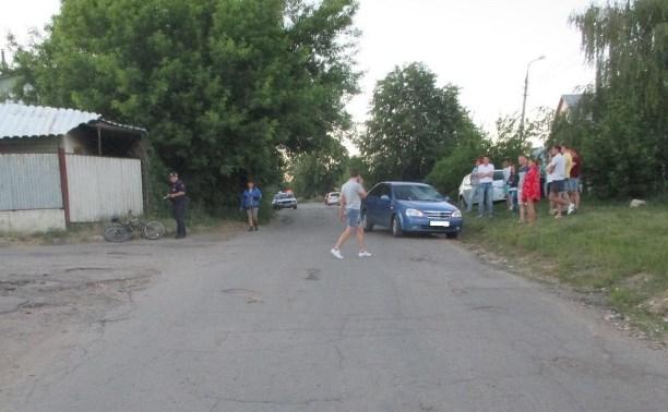 В Ефремове 12-летняя девочка попала под колёса автомобиля