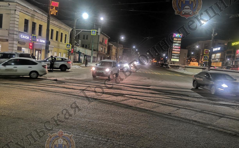 В Туле возле ТЦ «Рио» Lexus сбил женщину