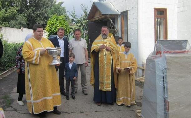 В Ефремове просфорной при кафедральном соборе передали новую машину для раскатки теста