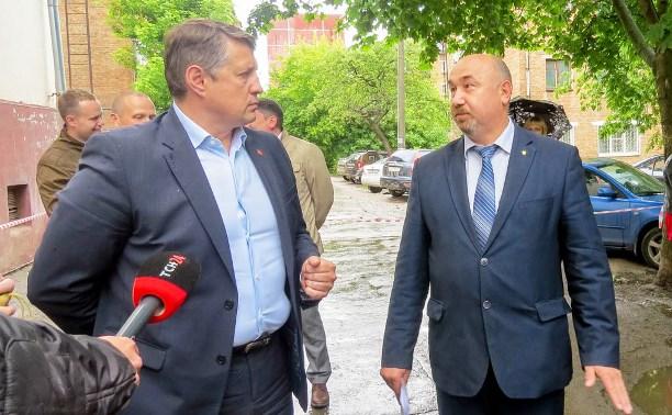 Евгений Авилов обсудил с жителями дома №49 по ул. Октябрьской вопросы благоустройства