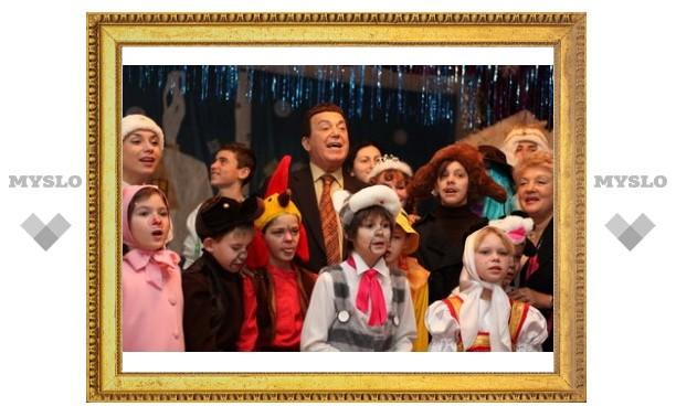 Кобзон поздравил детей-сирот в Туле