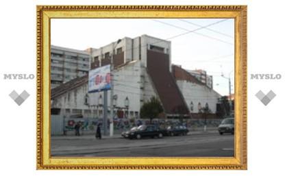 Недостроенный театр превратят в торговый центр