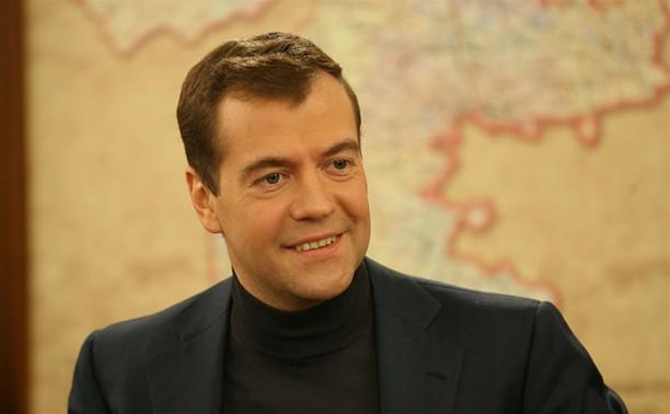 Дмитрий Медведев пообщался в Алексине с паралимпийцами