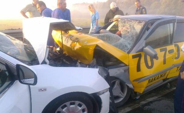 В ДТП на Восточном обводе пострадали четыре человека