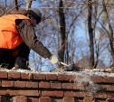В Туле ремонтируют стену Всехсвятского кладбища