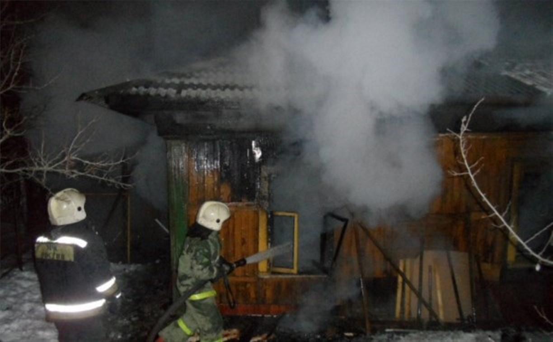 Ночью в Туле пожарные тушили дачу и частный дом