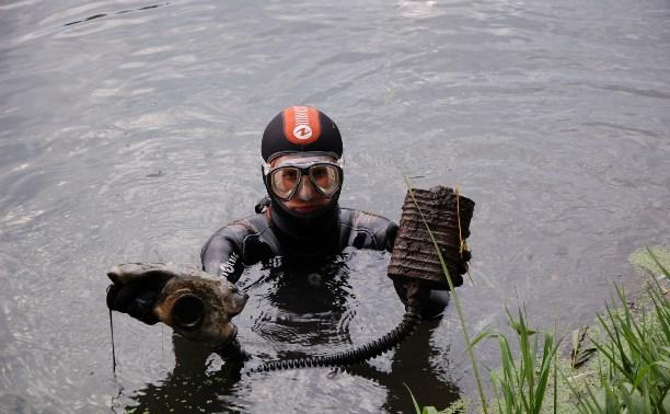 Тульские искатели обнаружили в Оке противогаз времен Великой Отечественной войны