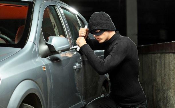 В Туле двое подростков подозреваются в угоне автомобиля