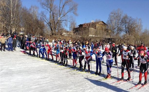 Спортшколы области посоревновались в лыжных гонках