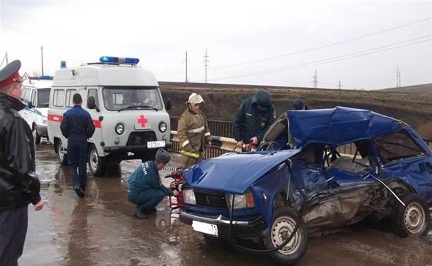 В Плавском районе столкнулись «Камаз» и «четверка»
