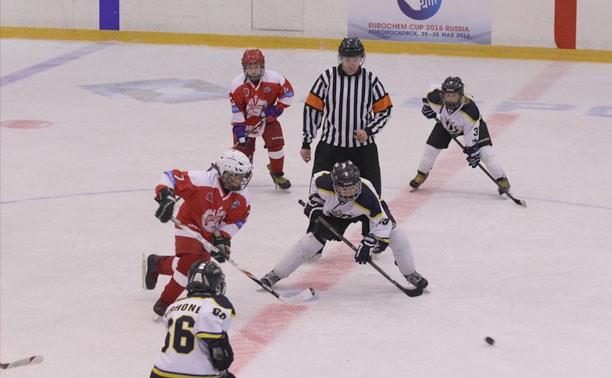 Новомосковские хоккеисты обошли финнов в четвертьфинале турнира