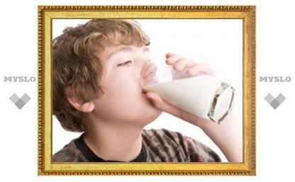 Риск рака простаты связали с потреблением молока в подростковом возрасте