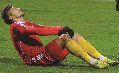 Экс-форвард «Арсенала» Евгений Савин получил серьезную травму