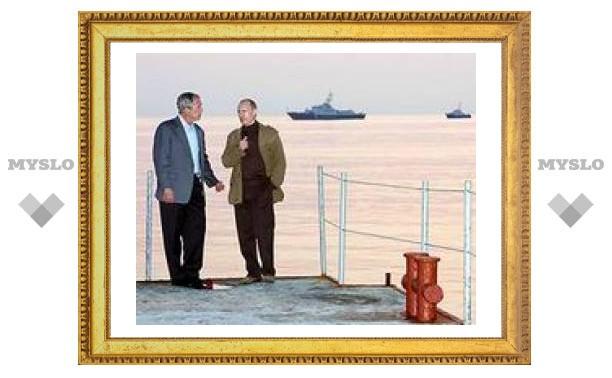 """США: у Путина с Бушем была """"очень теплая и немного ностальгическая встреча"""""""