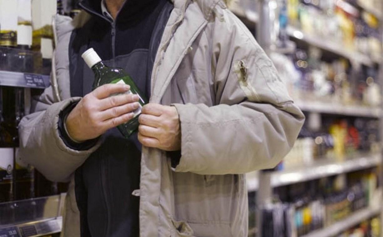 В Ленинском вор ушёл из торгового центра в новой куртке и с бутылкой виски