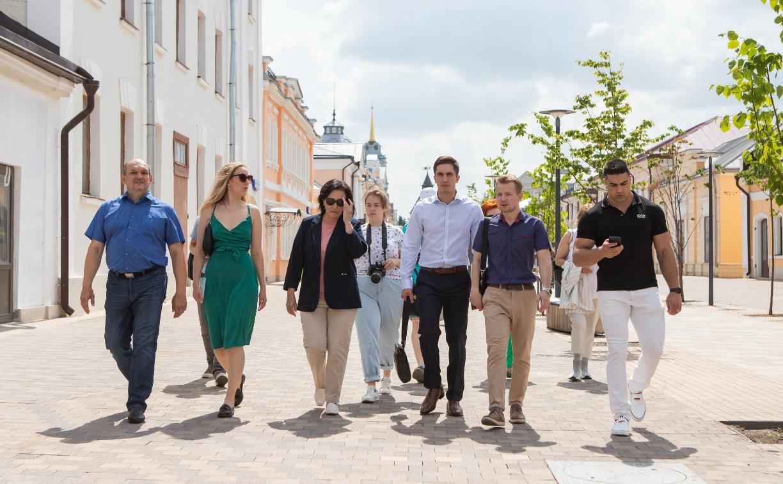 Тулу посетила советник председателя партии «Новые люди» Сардана Авксентьева