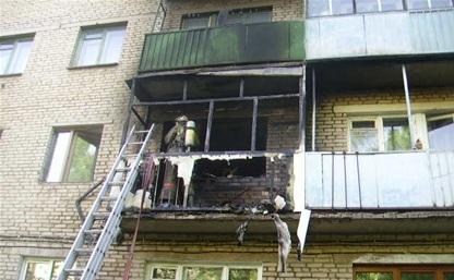 В Алексине пожарные спасли из горящей квартиры шестерых человек