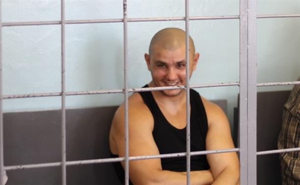 Подсудимые по делу Саркисяна улыбаются и шутят во время оглашения приговора