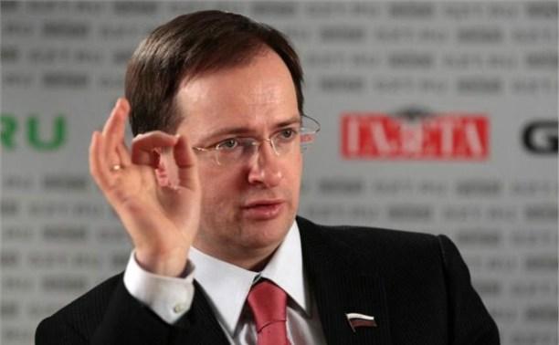 Министр культуры России намерен запретить петь под фонограмму