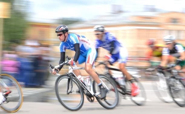 На старт мужской групповой гонки вышли более 50 велосипедистов