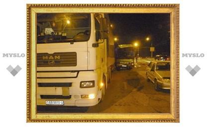 Автобус протаранил три машины на трассе Калуга-Тула