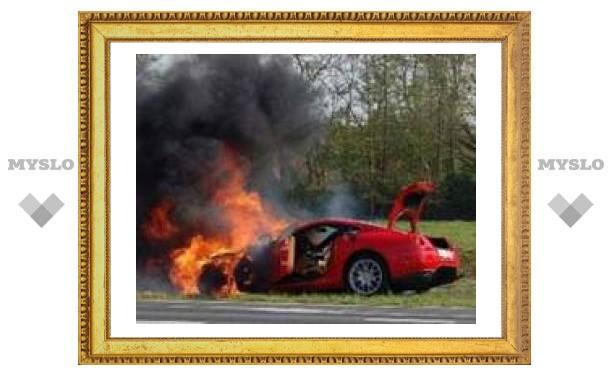 Ferrari за четверть миллиона сгорела во время юбилейного автопробега