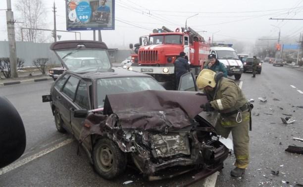 В тройном ДТП в Туле пострадала 13-летняя девочка