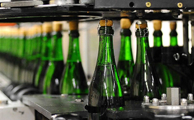 В России в канун новогодних праздников цены на шампанское вырастут до 15%