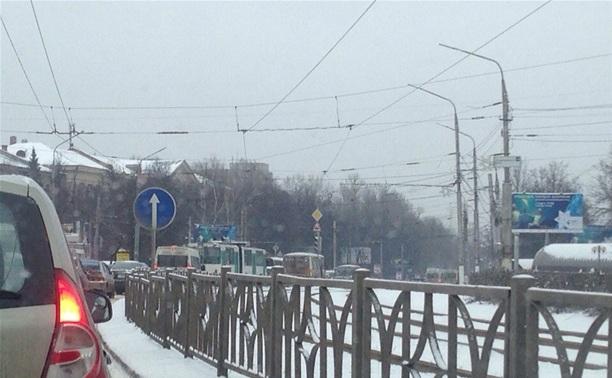 На пересечении проспекта Ленина и улицы Станиславского сломался светофор
