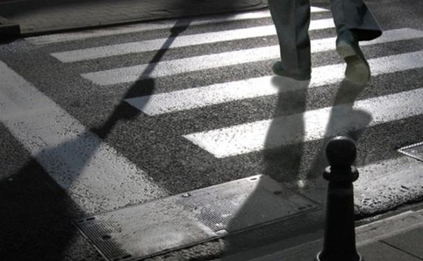Водитель «Шкоды» сбил пенсионера во время движения задним ходом