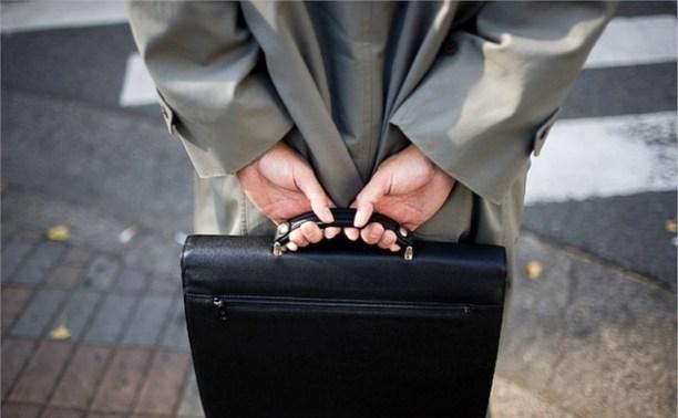 Чиновники смогут оставлять себе подарки за пять тысяч рублей