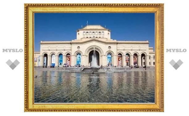 Армянские музеи одолжили Пушкинскому 100 картин