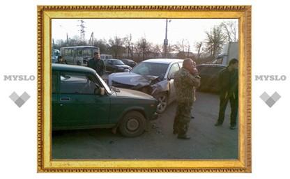 В Туле по вине водителя джипа разбили четыре машины