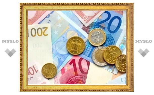 Евро на ММВБ подешевел на 40 копеек